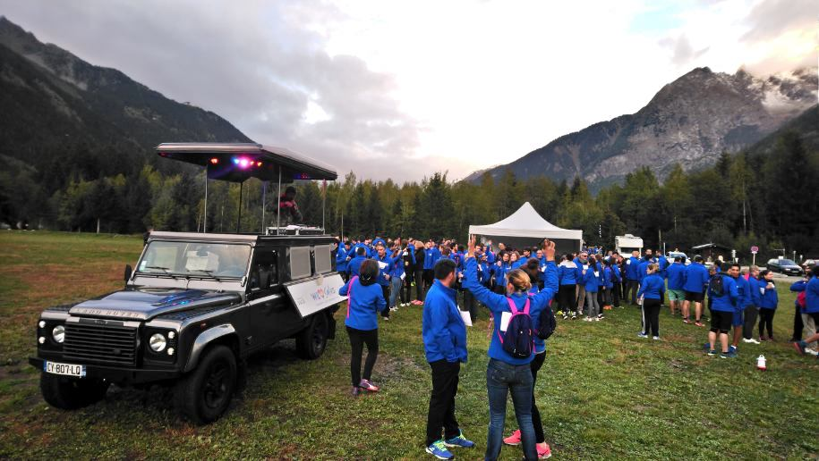 dj truck france, réalisation dj truck, animation chamonix, teambuilding trail, teambuilding chakana, dj truck, pop top events, street marketing, marketing opérationnel, événement, son, lumière, véhicule évènementiel, Land Rover, sono mobile, dj mobile, event car, voiture dj, 4x4 dj, dj outdoor, événement outdoor, sonorisation mobile, voiture musicale, 4x4 musical, déambulation musicale, dj extérieur, dj plein air, communication originale